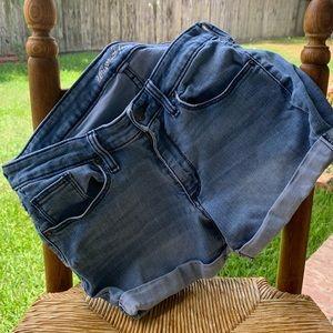 Universal Thread Jean shorts size 8